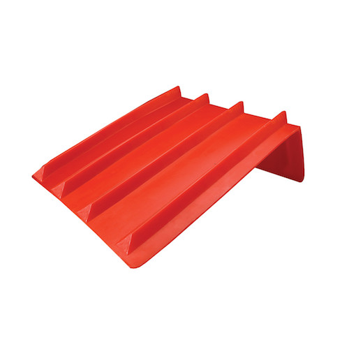 red plastic corner protector for bricks and other cargo