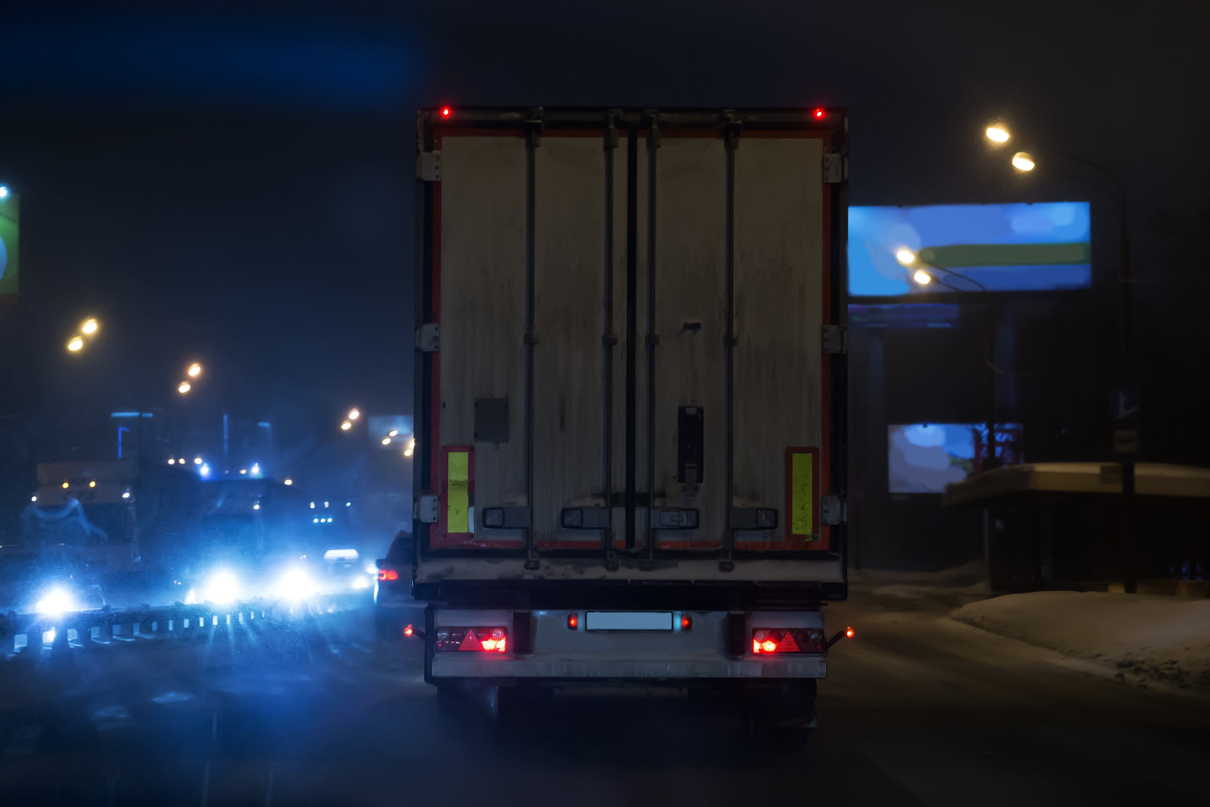 4 Important Nighttime Driving Tips for Truck Drivers