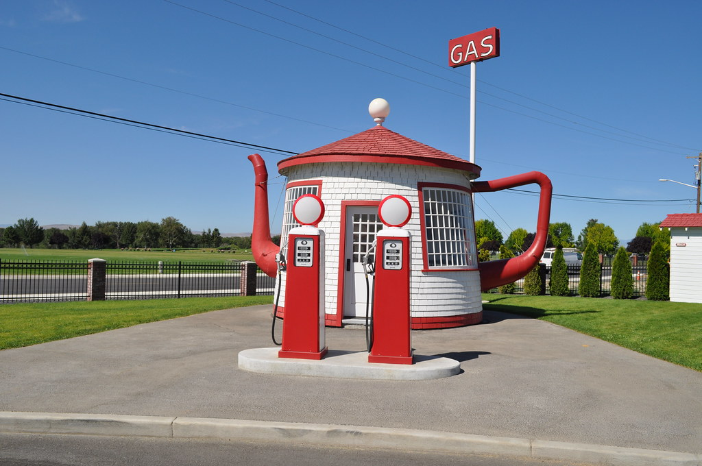 Vintage Teapot Dome Gas Station