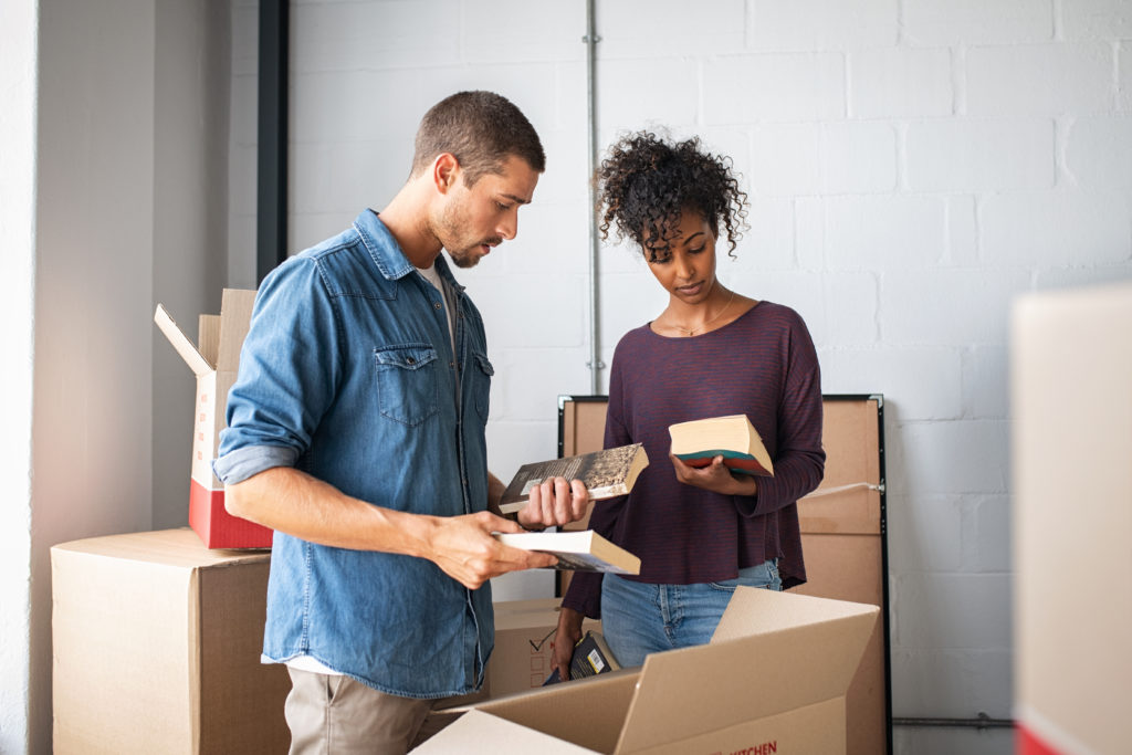3 tips on how to move smoothly without damaging your home